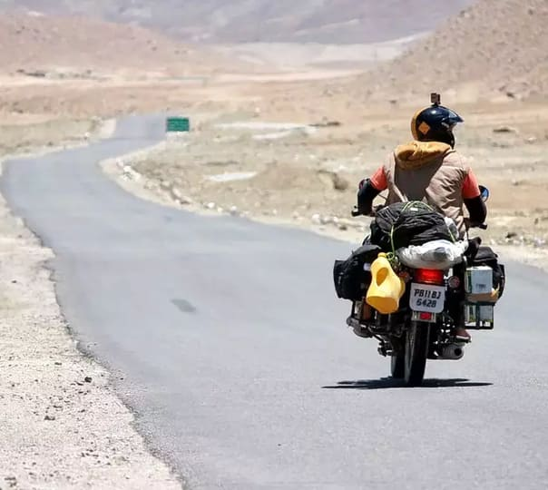Manali to Leh Bike Trip Package from Delhi