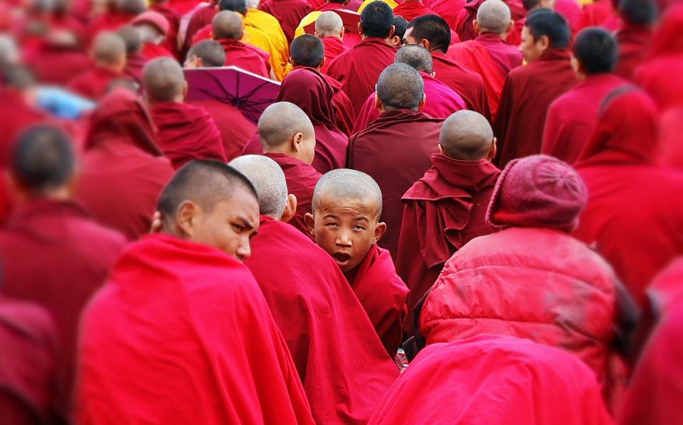 1488869379_the-monks-722463_960_720.jpg