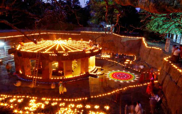 1524423526_pataleshwar_cave_temple.jpg