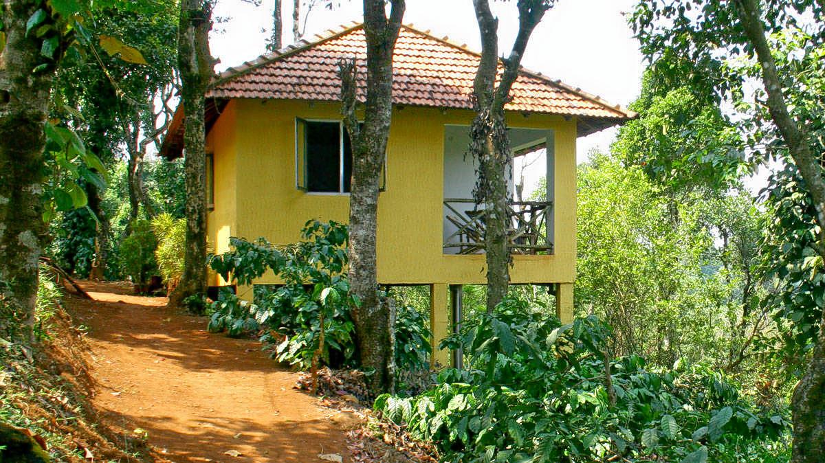 1571291639_grren-cottage-outside-and-path.jpg