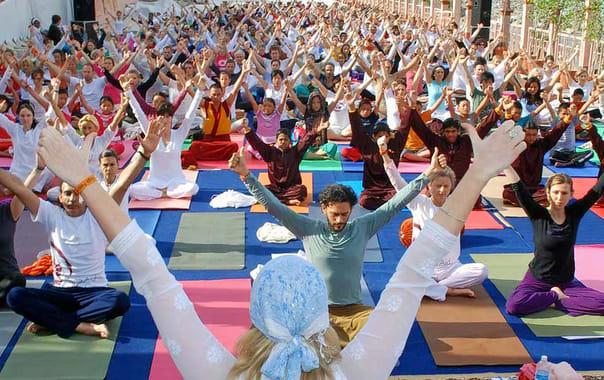 1464346822_yoga-banner.jpg