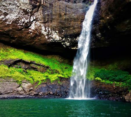 Trek to Devkund Waterfall near Mumbai @ 1080 Only