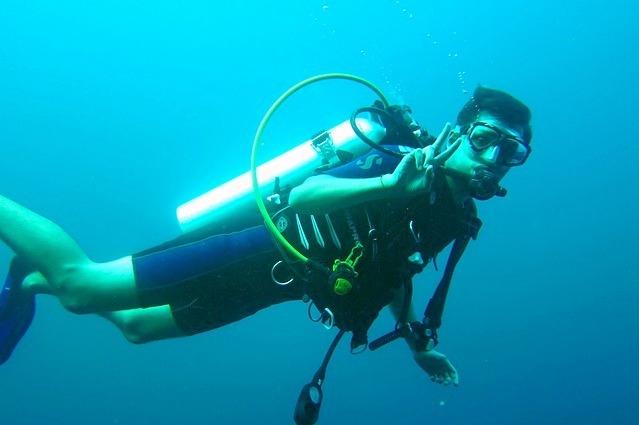 Scuba-diver-261577_640.jpg