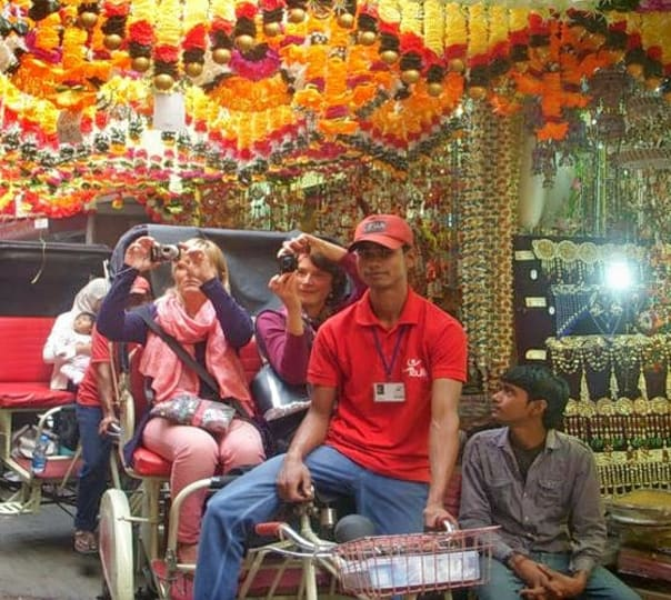 Old Delhi Rickshaw Tour to Mumtaz Mahal