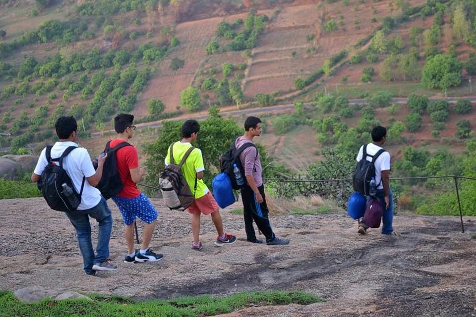1466073019_narayana_trekking_1.jpg