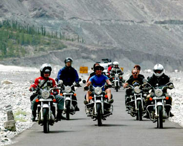 Srinagar - Leh - Manali - Delhi - Bike Tour