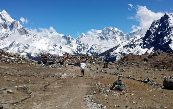 Everest_base_camp_trek_beyond_dhugla.jpg