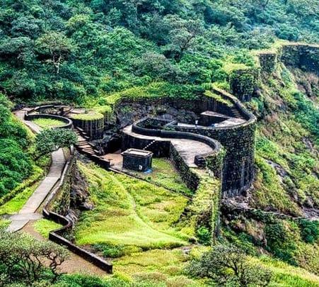 One Day Monsoon Trek to Raigad Fort, Pachad