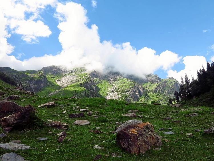 M_hampta_pass_trekking_2015_2.jpg
