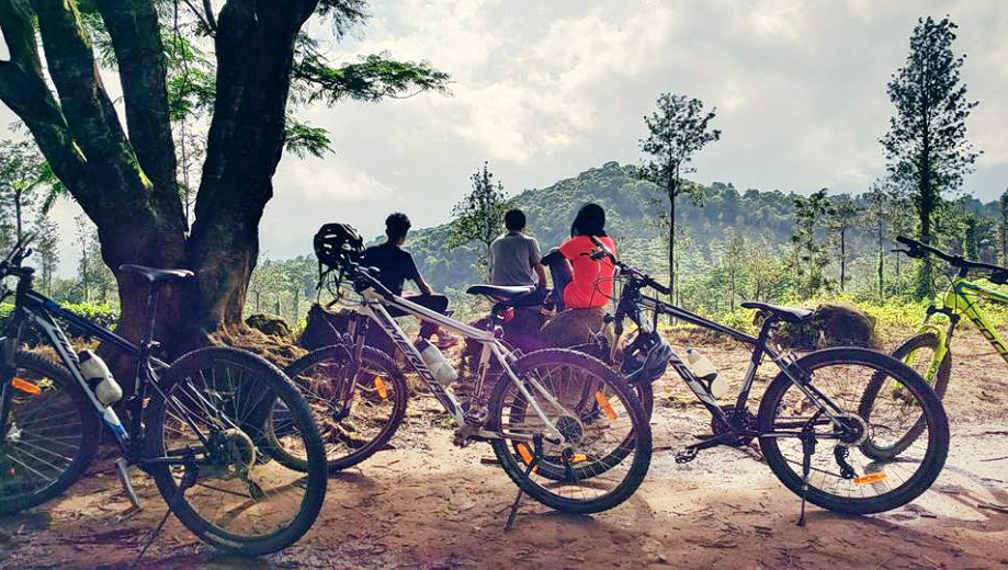 1476856693_cycling_in_wayanad_6.png
