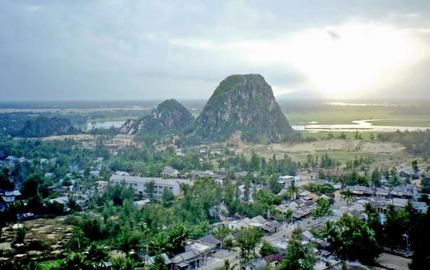 1467275400_marble_mountains__vietnam.jpg