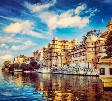 Udaipur Half Day Sightseeing Tour Flat 35% Off