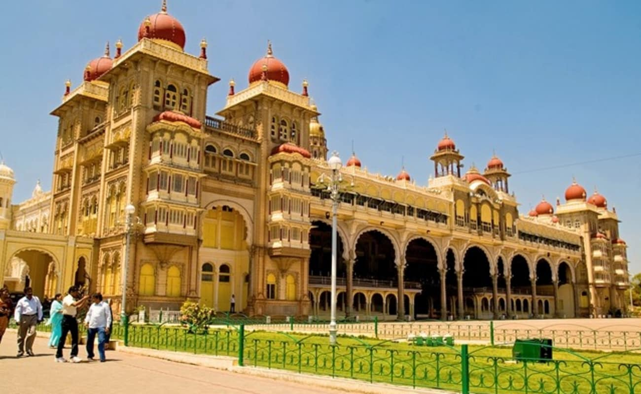 Best of mysore walk thrillophilia for Architecture design for home in mysore