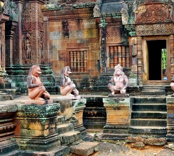 Day Tour of Phnom Kulen and Banteay Srei near Siem Reap
