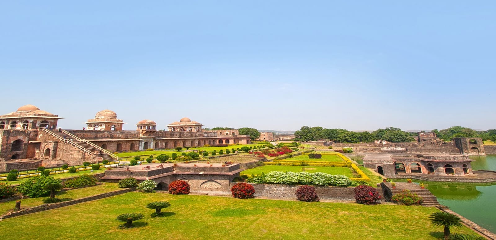 hangout places for couples in indore