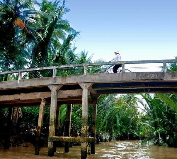 4 Day 3 Nights Cycling Tour of Mekong Delta with Home Stay