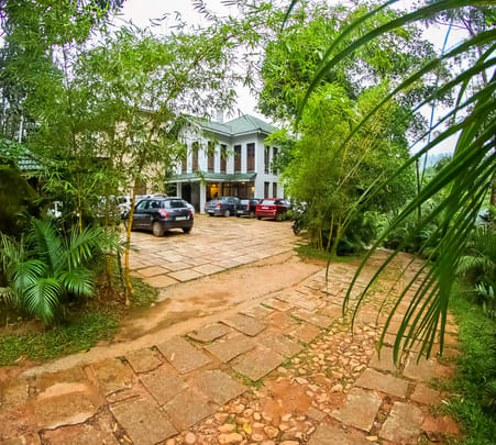 Resort Stay in Valley Of Wayanad - Flat 16% Off