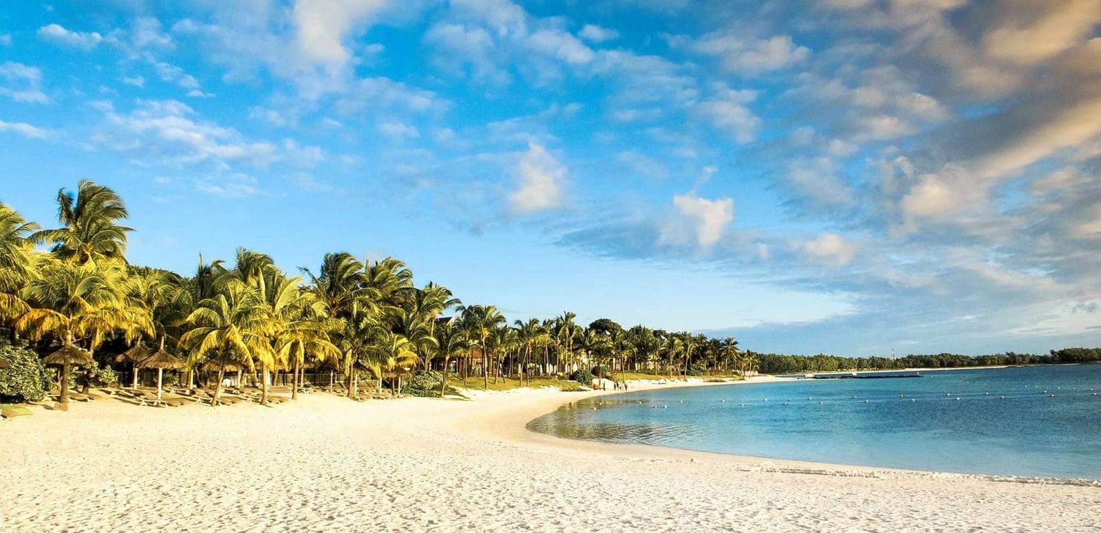 1574758586_103-lux-resorts-hotels-flitterwochen-honeymoon-2019-bella-mare-75529455-h1-beach-5-3.jpg