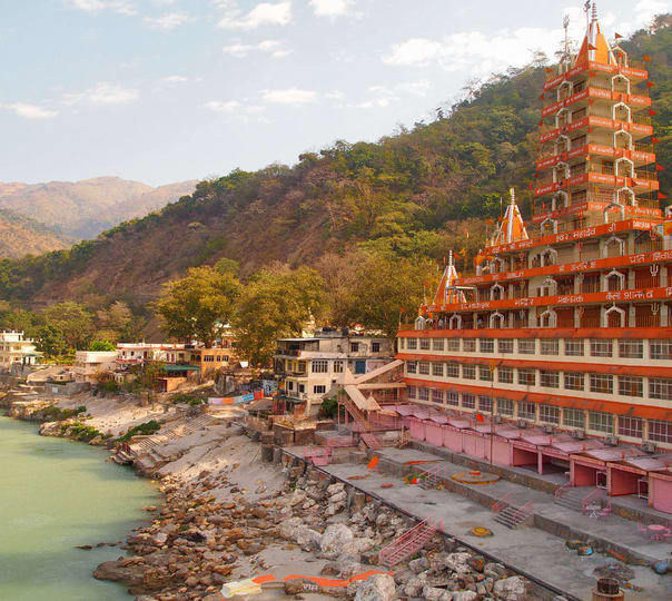 Hire a Temple Sightseeing Guide in Rishikesh