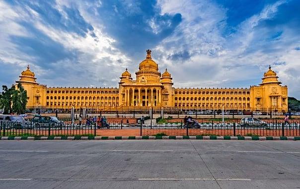 700px-vidhana_souda__2c_bangalore.jpg