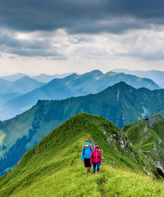 1525965705_nature-wilderness-mountain-cloud-hiking-meadow-83482-pxhere.com.jpg