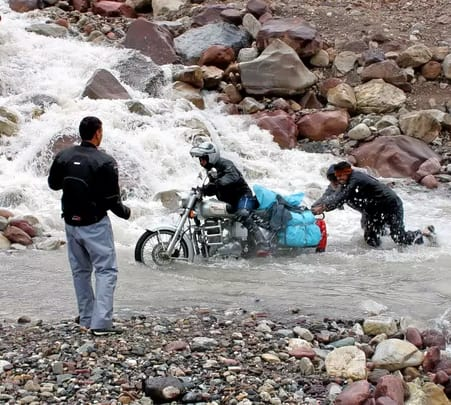 Manali to Sinagar Via Leh Bike Trip from Delhi