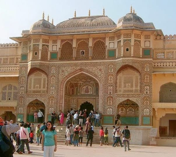 Full Day City Tour with Amber Fort Visit in Jaipur