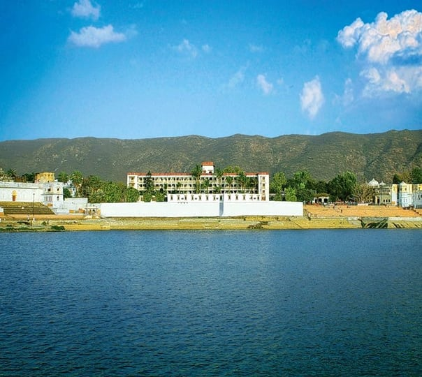 Lake View Stay at Pushkar Palace