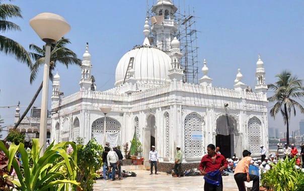 1524230055_haji-ali-dargah-mumbai-1.jpg