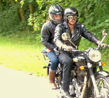 Rent a Royal Enfield Thunderbird in Dehradun