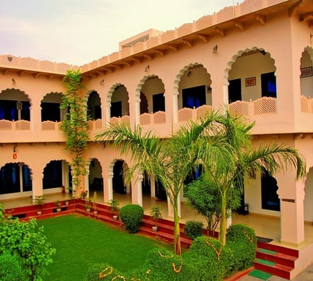 Heritage Stay at Kiran Villa, Bharatpur