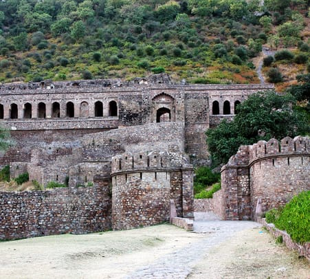 Day Trip to Haunted Bhangarh Fort Flat 72% Off