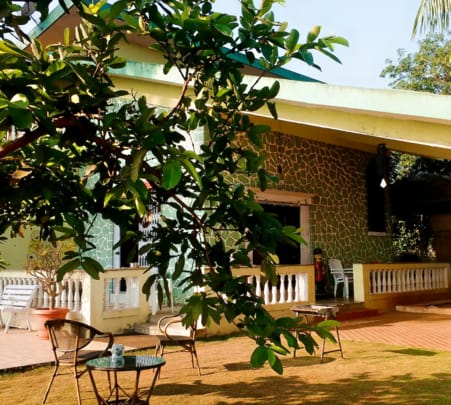 Bungalow with Private Pool, Lonavala- Flat 17% off