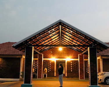 Lakeside Homestay in Chikmagalur Flat 18% off