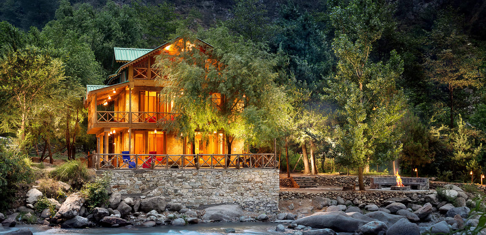 Homestay With Treehouse In Tirthan Valley