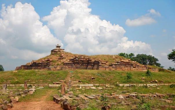 1200px-beejamandal_temple_2c_asi_excavation_site_01.jpg