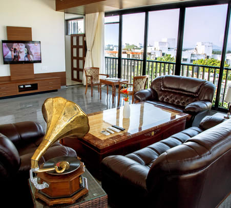 Nashik Wine Tour with Stay at Soma Service Apartment
