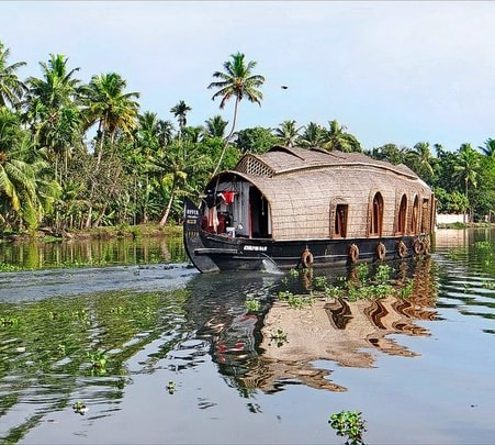 Backwaters Kerala Tour
