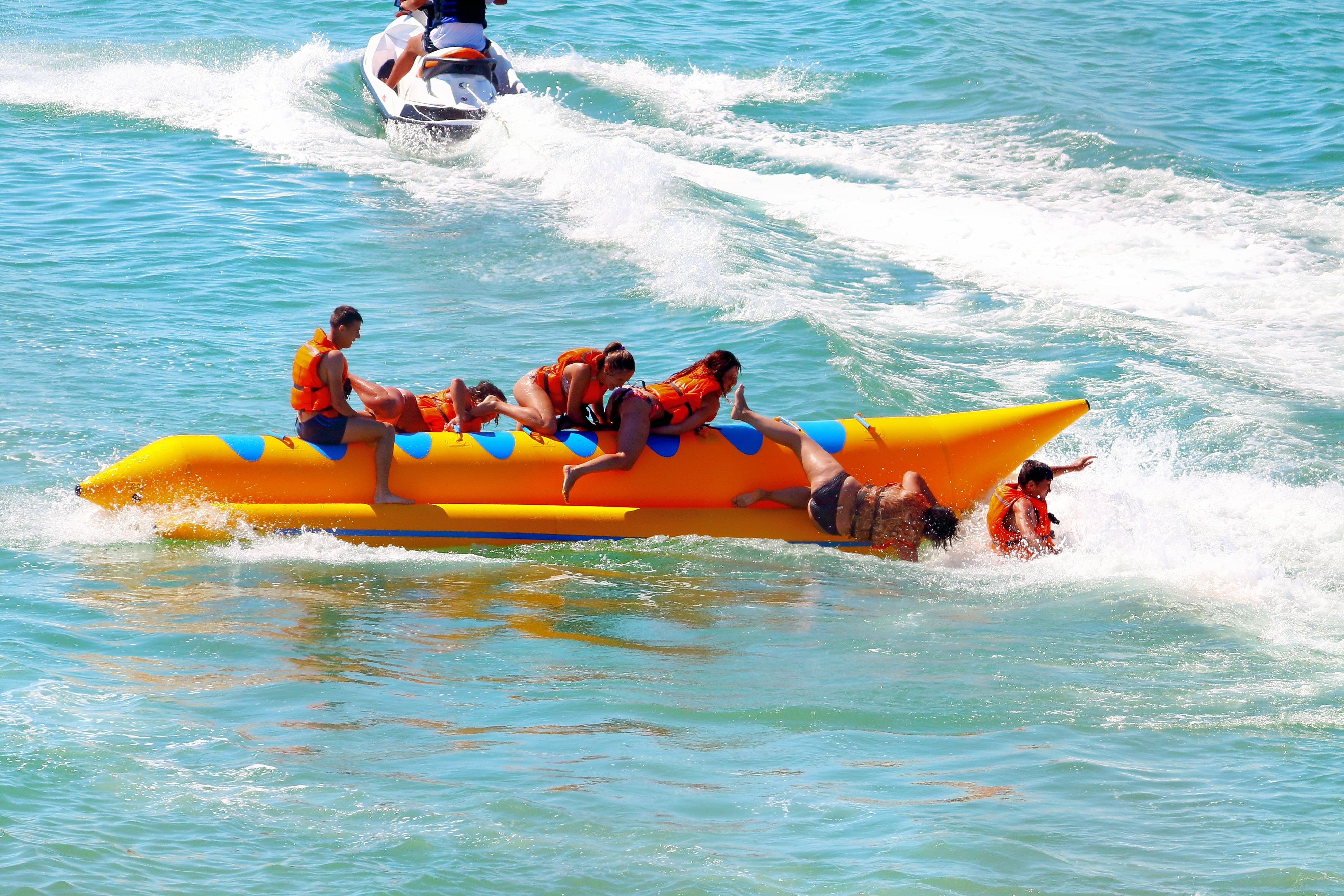 1586154468_banana_boat2.jpg