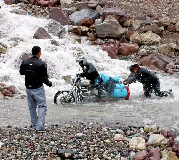 Manali to Sinagar Via Leh Bike Trip from Delhi