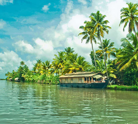 Kerala Sightseeing Tour with Houseboat Stay