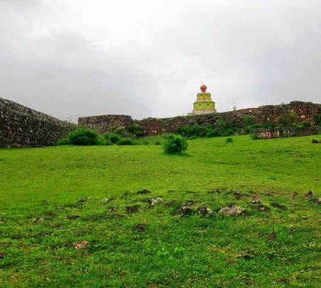 Trek to Malhargad, Jejuri & Purandar near Saswad, and Pune