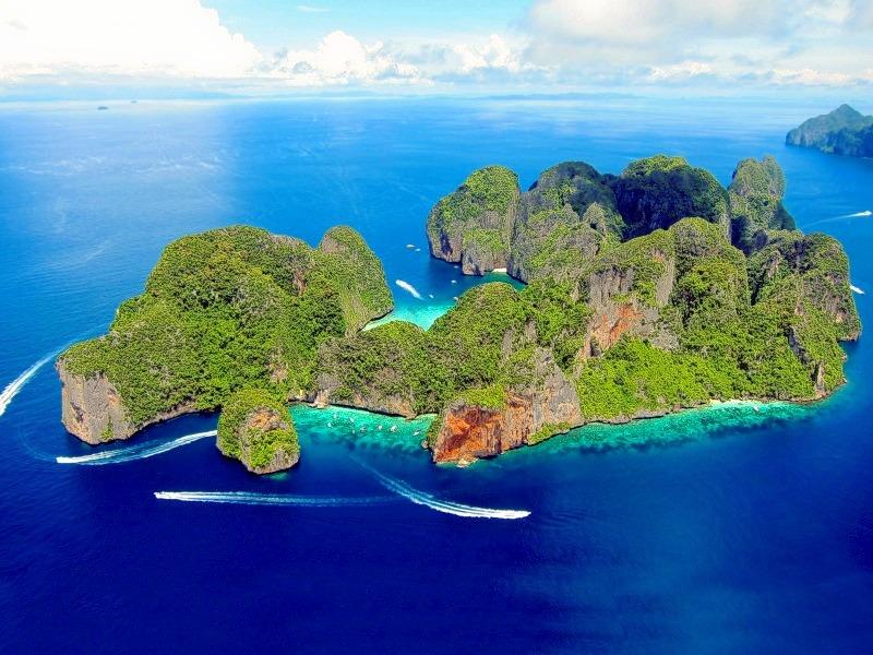 1476252143_phi-phi-island.jpg