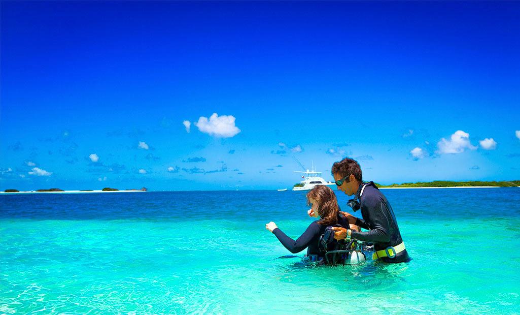 1503067277_andaman_honeymoon_diving.jpg