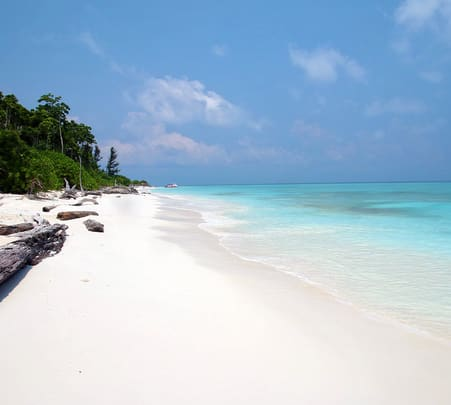 Mengalum Island Day Tour with Snorkelling, Sabah @ 19% off