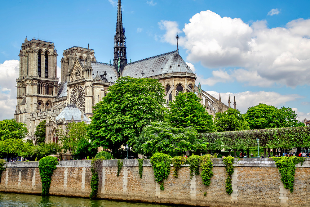 1594886770_notre_dame_cathedral1.jpg