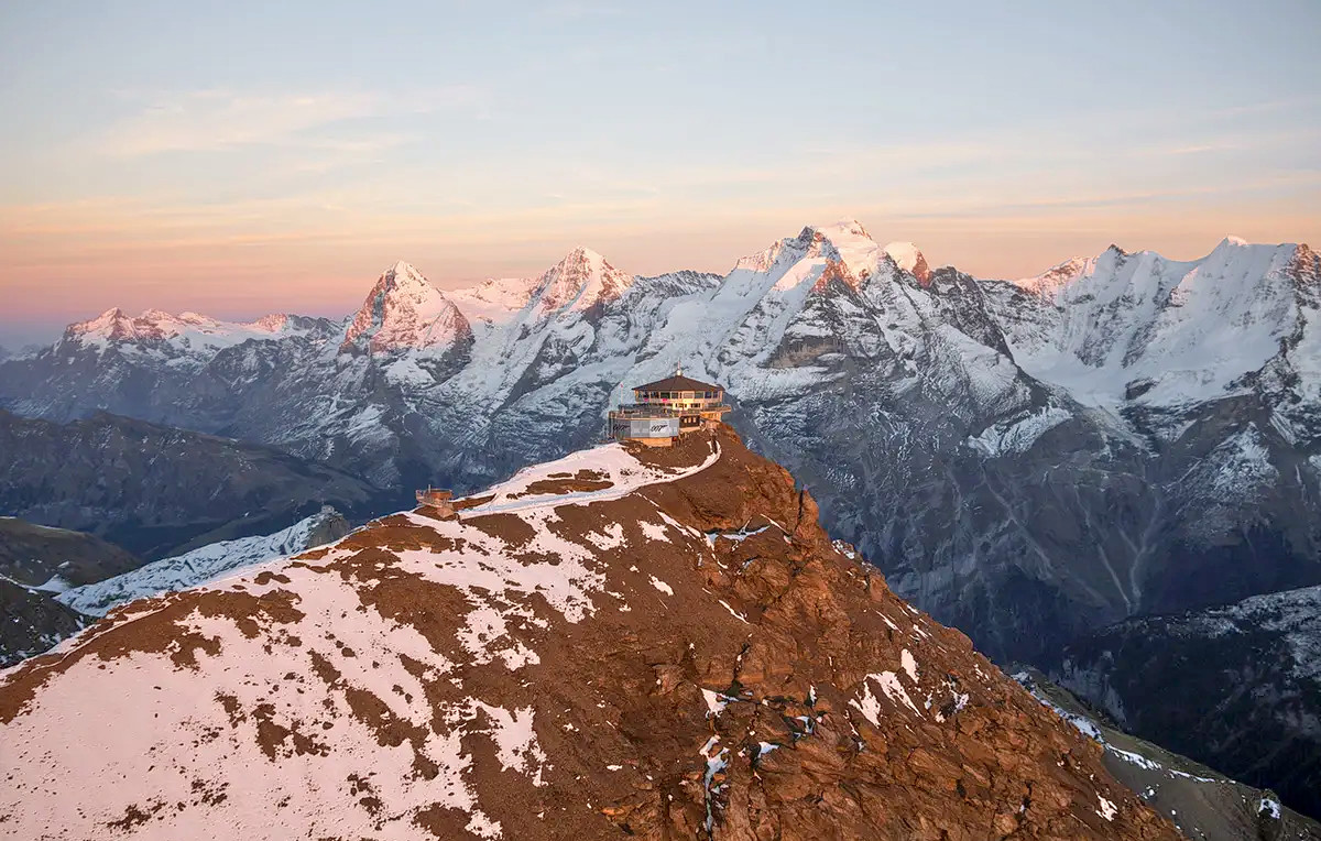 1578479268_schilthorn_round_trip_cable_car_ticket_klook_(3).png