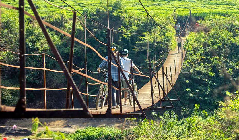 1476868173_cycling_in_wayanad_26.png