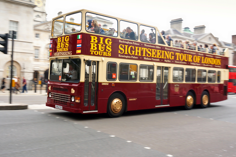 1558676849_a_sightseeing_bus_(leyland_olympian).jpg