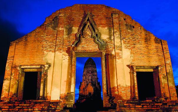 Ayutthaya_historical_park_3.jpg